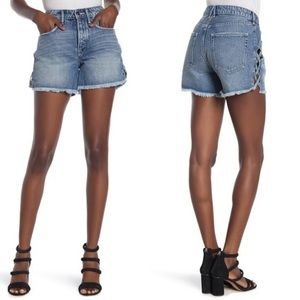 Good American | The Lattice Cut off Denim Shorts